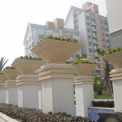 工厂直销欧式砂岩花钵 定制户外景观花箱花瓶和广场玻璃钢花器