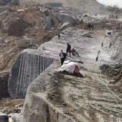 四川新中国黑矿山 宜宾兴文黑